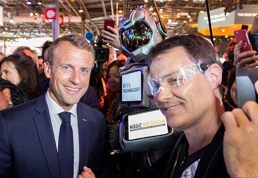 Emmanuel Macron et My Digital Robot